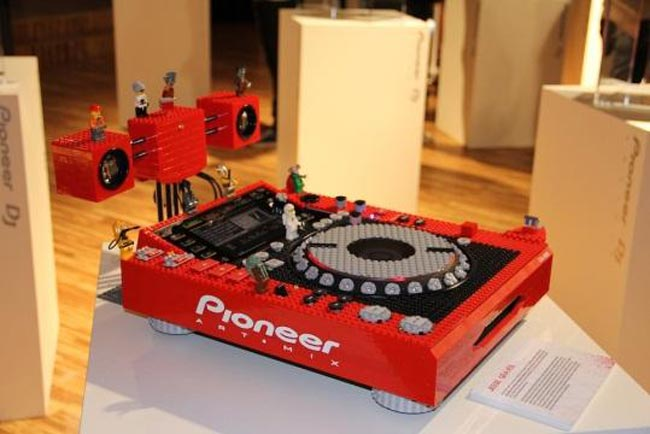 Kunst trifft Technik – Pioneer Art Mix