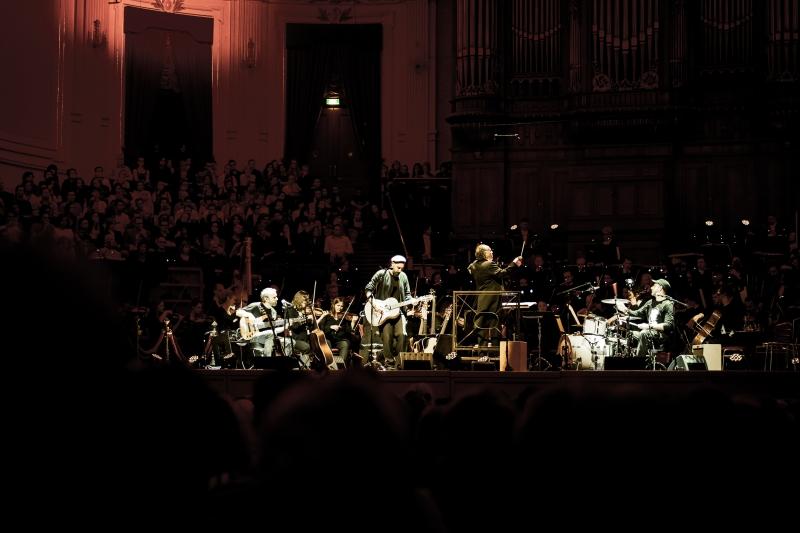 Fink veröffentlicht Live-Album mit dem Royal Concertgebouw Orchestra