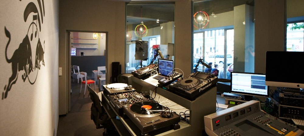 "RBMA Radio Berlin: Finale mit ""Signal 03"" im Watergate"