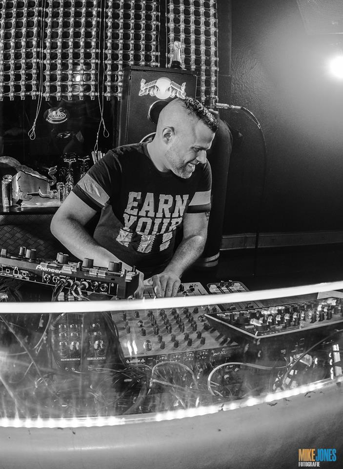 Frank Sonic (Butan) – Jahrescharts 2014