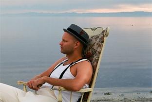 Tomas Barfod von WhoMadeWho veröffentlicht Soloalbum