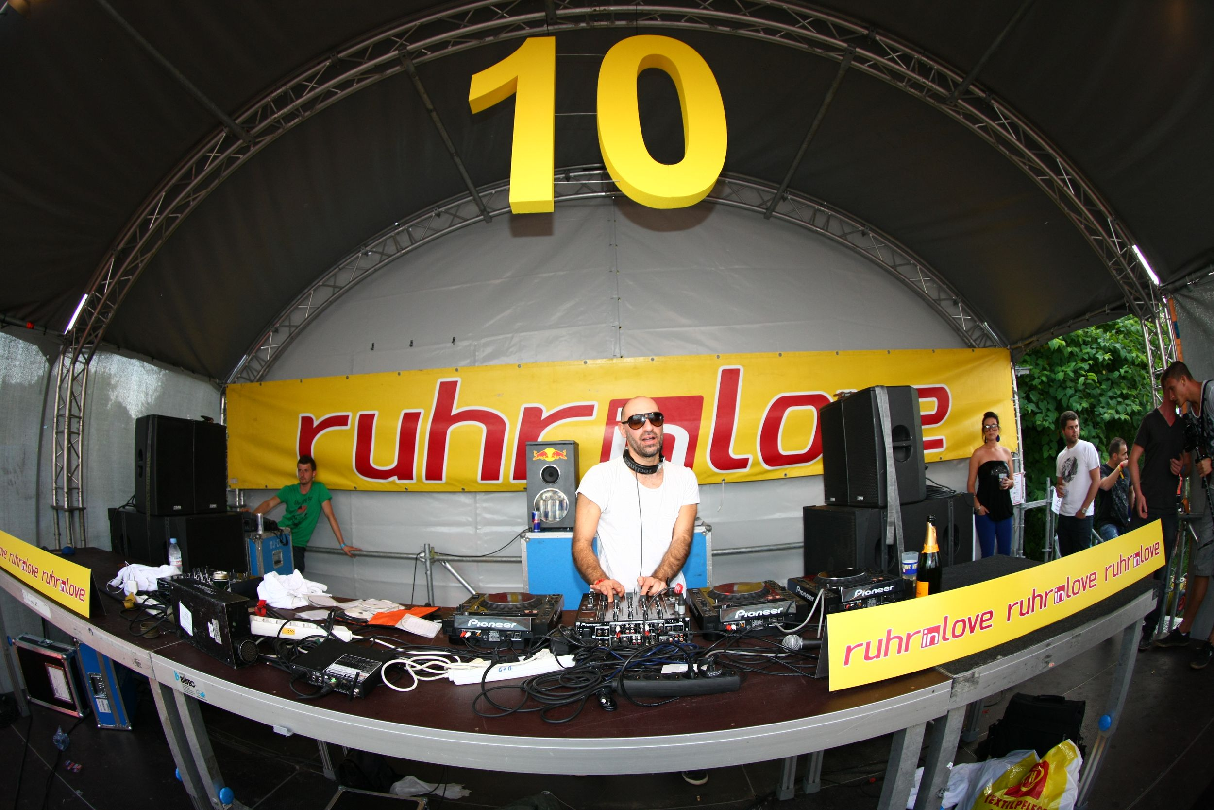 Ruhr-in-Love 2012 war ein voller Erfolg – 44.000 Personen feierten in Oberhausen