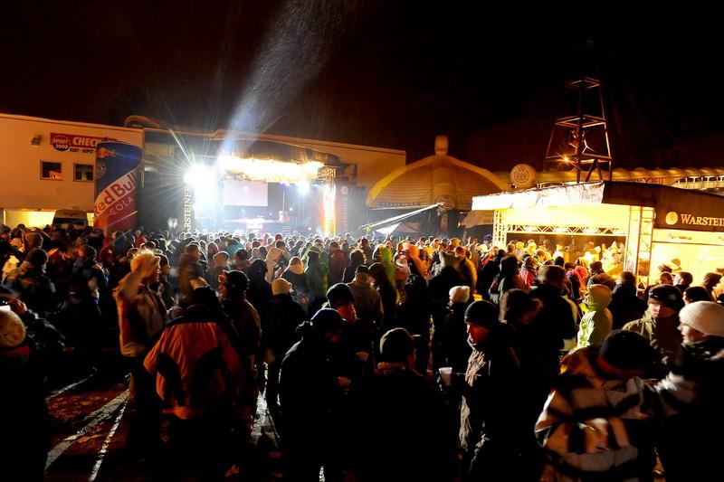 Beats und wildes Schneetreiben: RaveOnSnow 2012