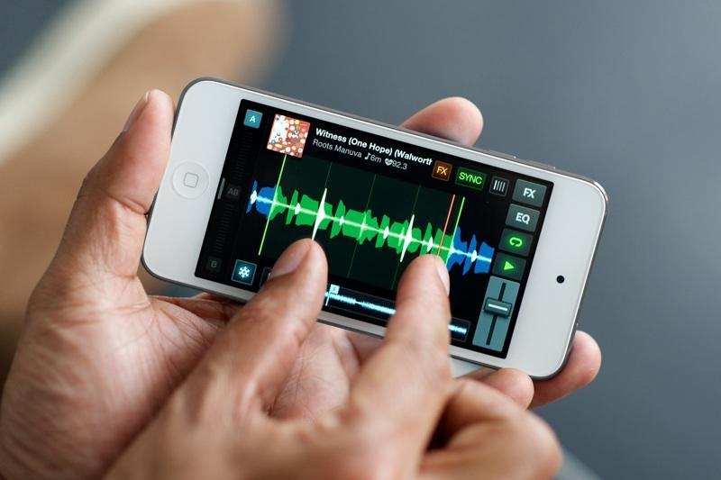Native Instruments' TRAKTOR DJ jetzt auch für iPhone & iPod touch