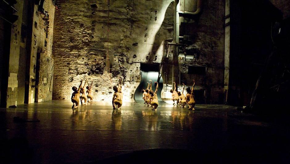 Jetzt auf arte.tv: Masse – das Technoballet im Berghain