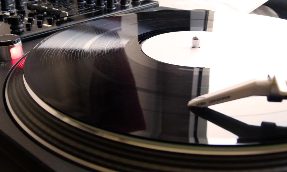 """Technics startet mit """"Technics Tracks""""' – einen Downloadshop"""
