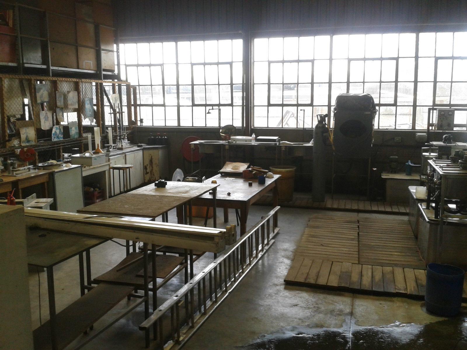 afrikanisches vinylpresswerk zu verkaufen auf ebay fazemag. Black Bedroom Furniture Sets. Home Design Ideas
