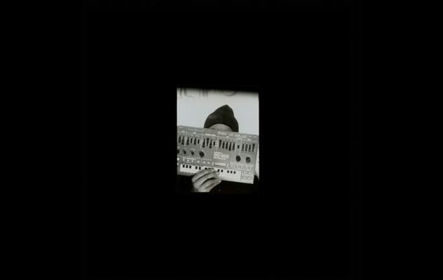 """The Analog Roland Orchestra musiziert wieder – neues Album """"Dinsync"""""""