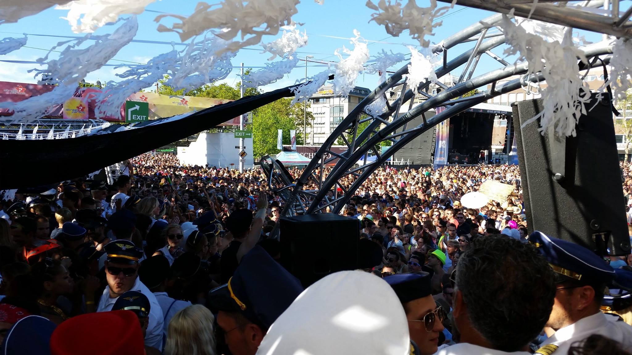 Das war die Street Parade 2015 – die weltgrößte Techno-Veranstaltung im Rückblick