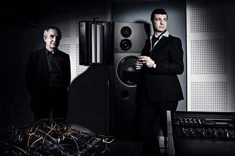 "Arnaud Rebotini & Christian Zanési verkünden Album ""Frontieres"""