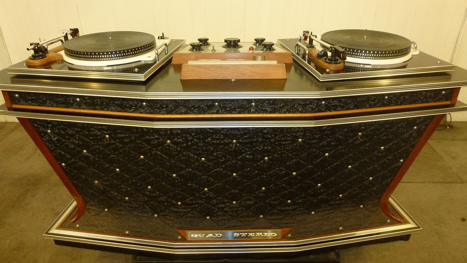 Back to the oldschool – Lust auf ein DJ-Set-up aus dem Studio 54?