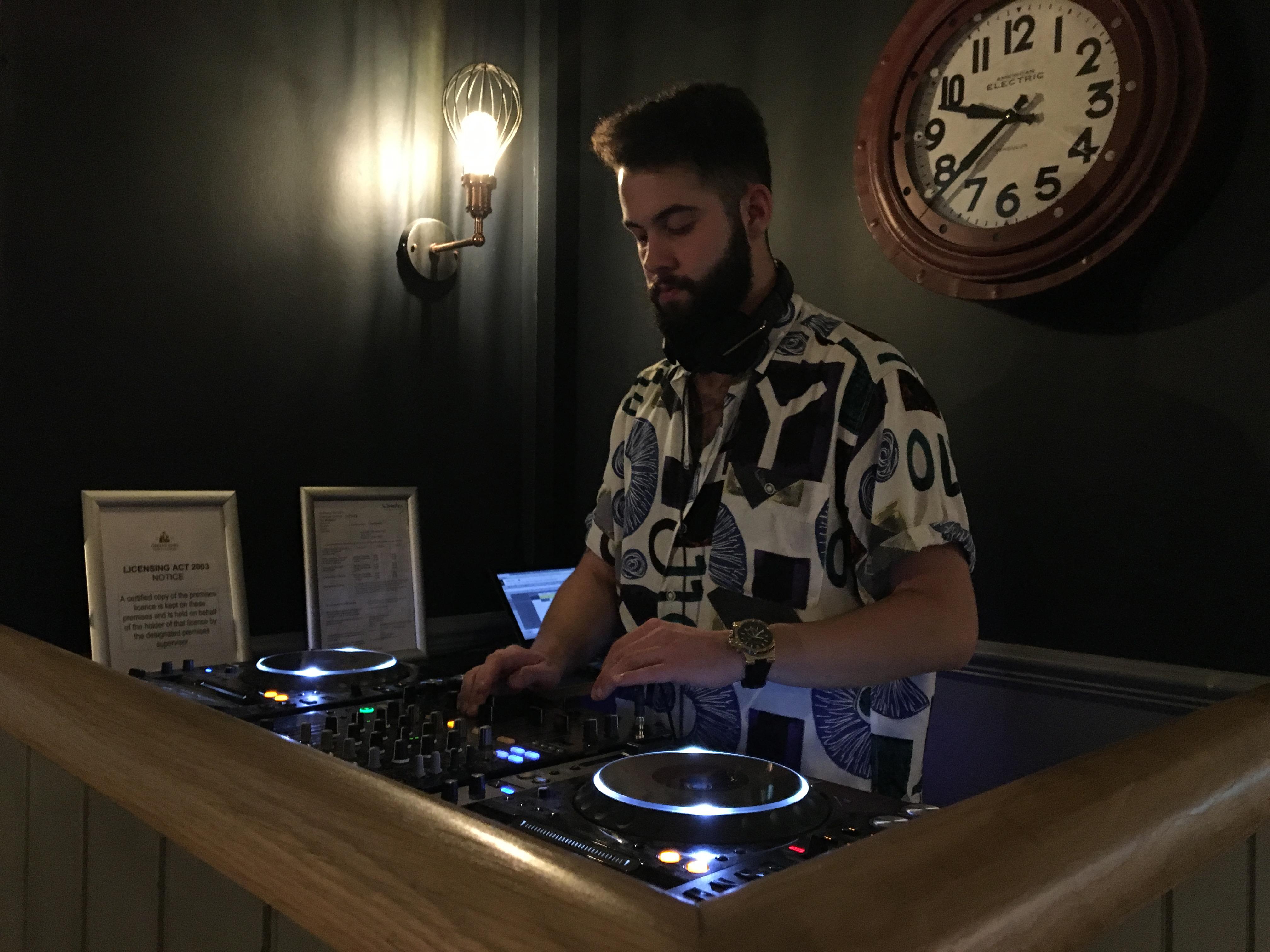 """Der Gewinner des """"DJ Awards Bedroom DJ""""-Wettbewerbs steht fest"""