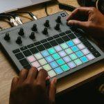 Novation bringt neue Groovebox Circuit Rhythm raus